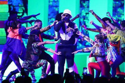 Premio Lo Nuestro 2018 Daddy Yankee Pitbull J Balvin E