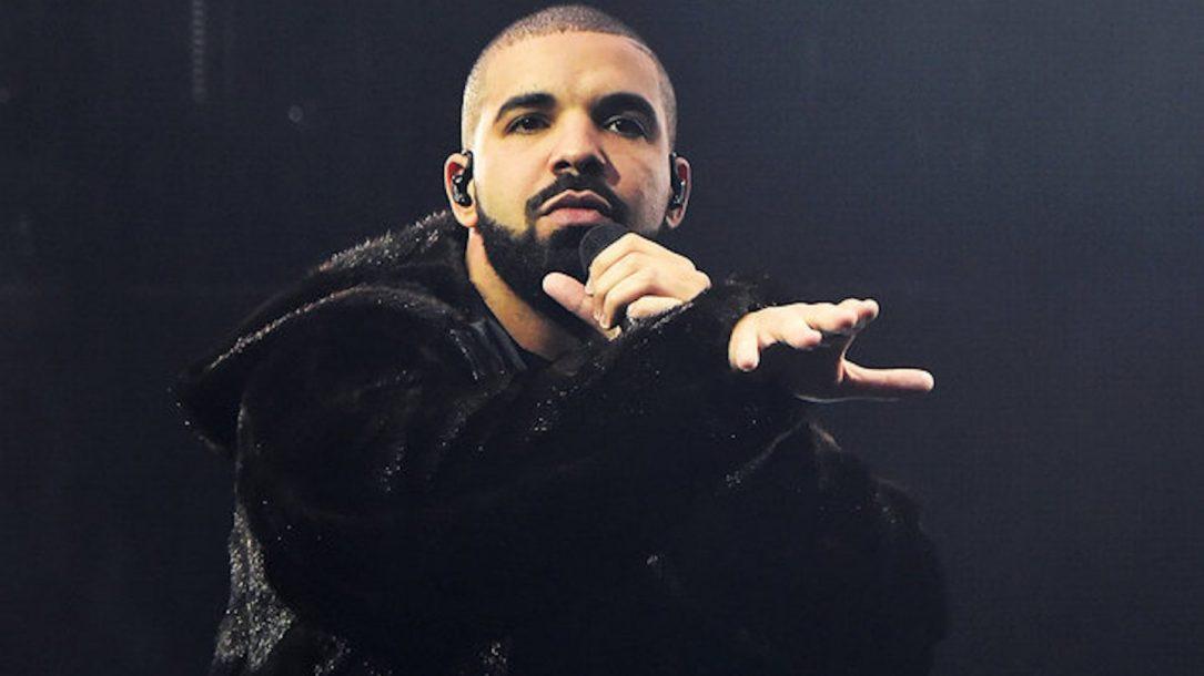 """Drake ha pubblicato il video di """"Nonstop"""", girato tra le vie di Londra. Ora è online anche il videoclip di """"In My Feelings"""""""