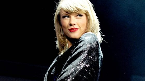 Taylor Swift è in studio di registrazione?