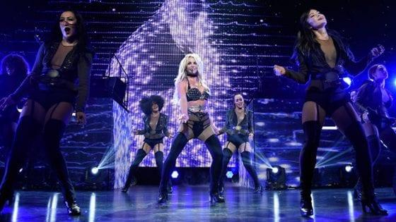 Britney Spears si è dimenticata il luogo in cui stava cantando: il video epico