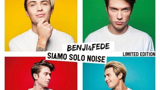 Un particolare della cover della Limited Edition di Siamo Solo Noise di Benji & Fede