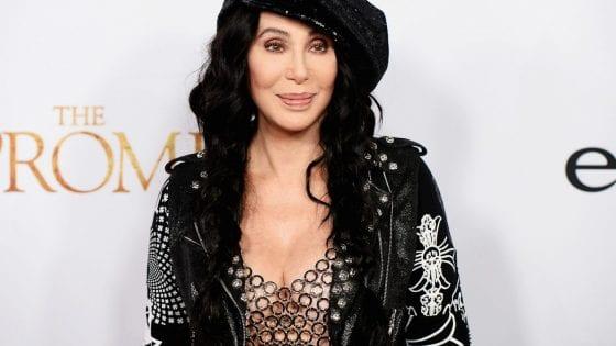 """Cher ha pubblicato il suo nuovo album """"Dancing Queen"""""""