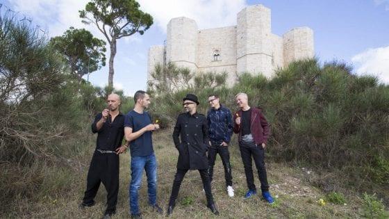 """I Subsonica ci hanno raccontato il loro nuovo album """"8"""" durante una conferenza stampa a Castel del Monte, in Puglia"""