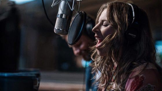 "Lady Gaga ha pubblicato il video di ""Look What I Found"" dalla colonna sonora del film ""A Star is Born"""