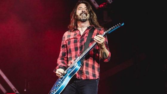 Dave Grohl dei Foo Fighters è stato protagonista di un siparietto decisamente interessante con un fan di 10 anni sul palcoscenico