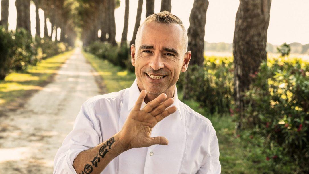Eros Ramazzotti è il protagonista della nostra cover di novembre. Ha incontrato alcuni nostri lettori in un emozionante Meet & Greet