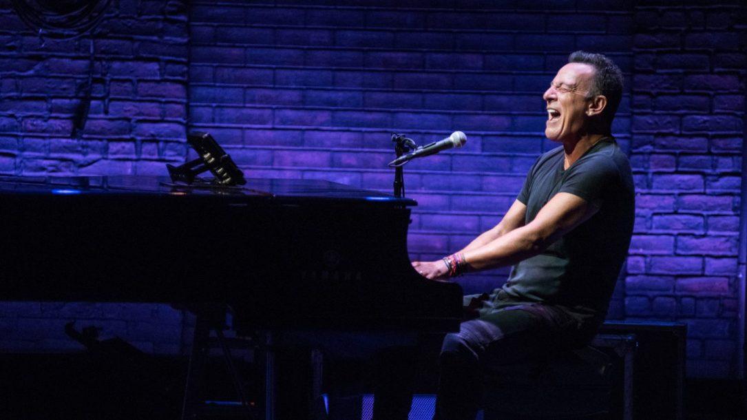 Bruce Springsteen - Springsteen on Broadway - RobDeMartin (2)